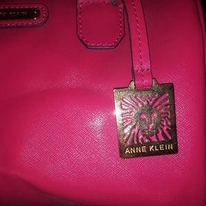 Beautiful Hottt Pink🌟Vintage🌟 Anne Klein Hobo